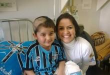 Jordana faz tratamento no Hospital Conceição. Já é uma vencedora na batalha da vida. Seu desejo era receber o uniforme completo do Grêmio, que foi proporcionado graças à voluntária Viviane Sant'anna. Todos estamos na torcida por ti, Jordana !
