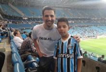 Na partida Grêmio x Santos levamos o menino Kelwyn para conhecer a Arena e de quebra ver um jogo do seu time do coração. Participação do voluntário Leandro Tutenhagen.