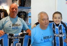 Em Porto Alegre o voluntário Gilberto Pereira de Souza postou a camiseta da menina pelos Correios para Santa Maria. O primeiro a receber foi o voluntário José Franscisco Genro que tratou de levar em mãos até à menina que faz tratamento na Turma do Ique. Gratidão a todos os envolvidos e saúde para Júlia